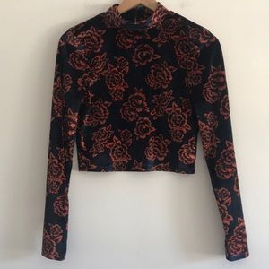 NWOT Forever 21 Cropped Floral Top Size L